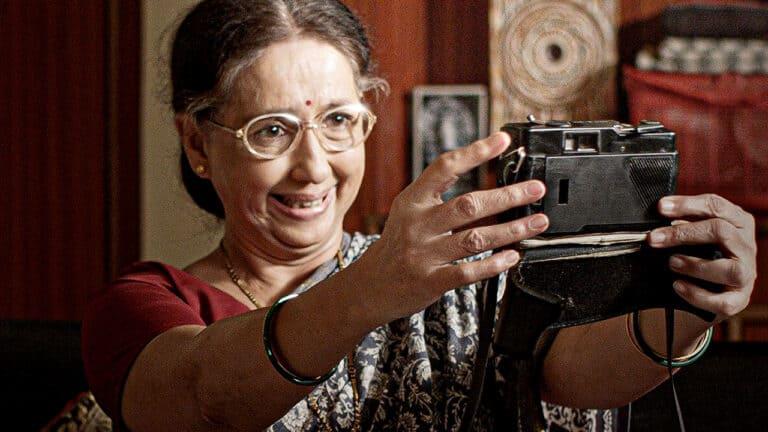 Neena Kulkarni to overcome fear of cameras in 'Photo Prem'